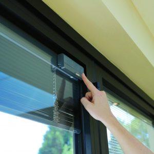 solar power integral blinds